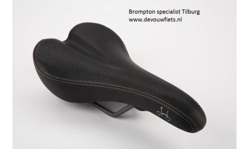 Brompton  zadel zonder pentaclip zwart met mogelijkheid achterlicht
